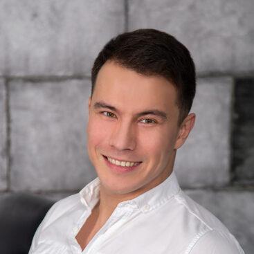 Массажист Тимур Недамов